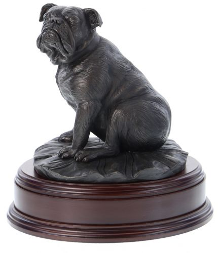 This is a simple but lovely sculpture of a British Bulldog. If you like or own a British Bulldog, then this is great mantlepiece sculpture.We include a optional fully engraved brass plate on the wooden base which has up to three lines of engraved text.