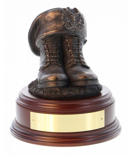 Gordon Highlanders Boots and TOS, cast in cold resin bronze and we offer this Boots and Beret on a choice of presentation bases, the BB2, BB3 and BB4 have room to add an engraved plate.