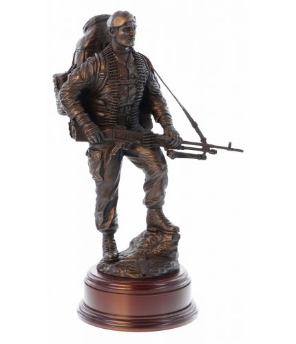 "12"" scale cold cast bronze resin sculpture of a Paratrooper carrying a GPMG on patrol."