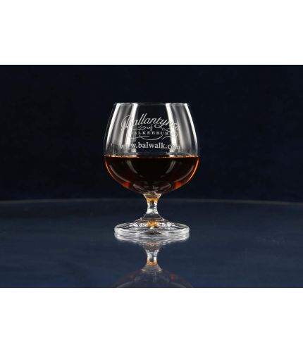 A plain style of Brandy Goblet. Design, setup, pre-approval and engraving are Included on this glass. As this is a J product we only offer transit packing.