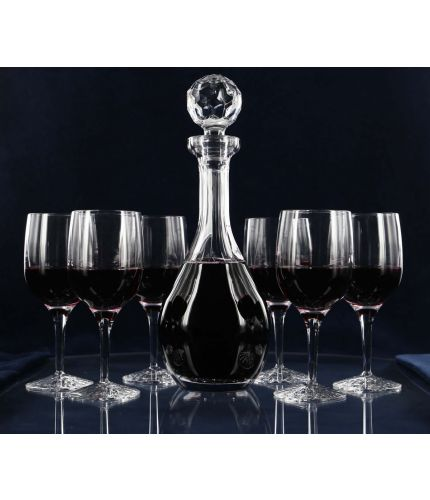 A plain style 24% lead crystal wine decanter and six red wine glasses. We offer free engraving in the front panel of this item and the set is completed inside a dark blue satin lined presentation box.