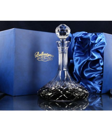 A Crystal Port Decanter in its own satin lined gift box. There is no space for engraving. A lovely traditional crystalware design.