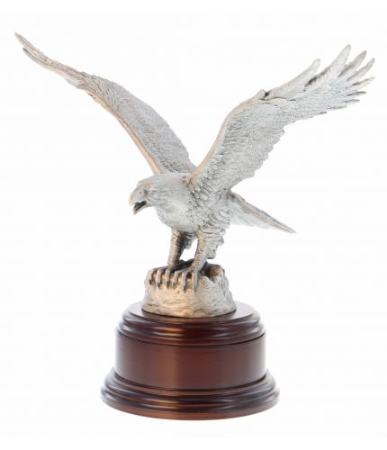 Royal Air Force Eagle cast in buffed pewter. We include the wooden anse and a Nickel Silver Engraved plate if required.