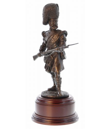 """The Thin Red Line"". The 73rd Sutherland Highlanders, part of the British Army in Crimea facing down a Russian Cavalry charge. Our Scottish Regimental Statuettes make excellent gift ideas for anyone who loves British History. We include the wooden base, a"