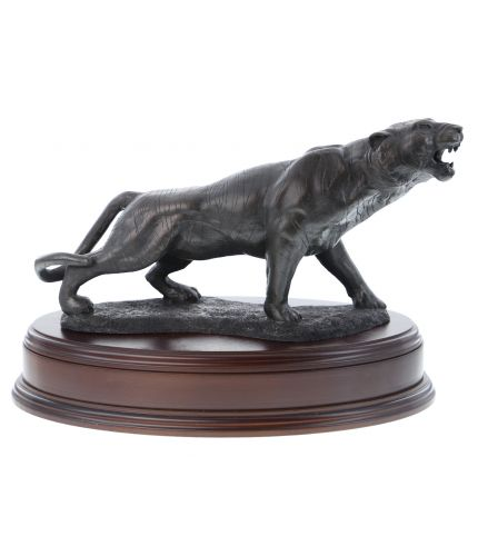 This a lovely cold cast bronze sculpture of a Male Tiger in a snarling pose. We include the wooden base as seen and an engraved brass plate as part of the standard service.